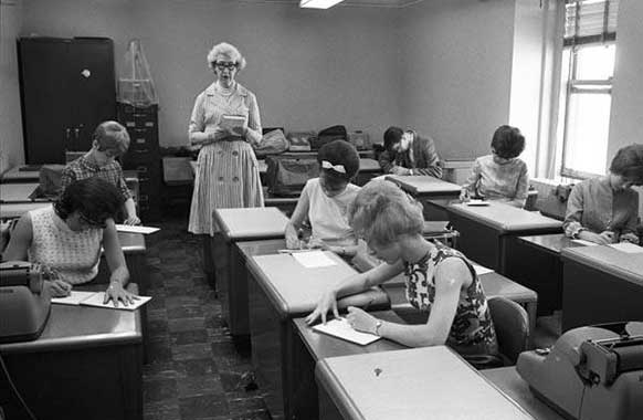 Secretarial Studies, Cleveland State University, 1967.