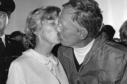 Virginia Manry kisses her husband, Robert Manry as he arrives in Falmouth, England, after his 78-day voyage