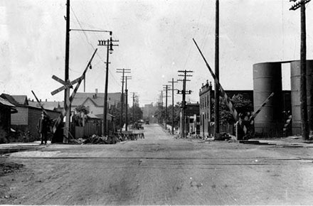 Looking north along East 75 St. towards the ®Nickel Plate Road crossing, 1922.
