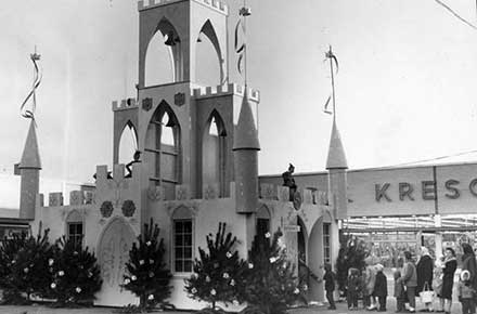 Santa Clause castle at Parmatown Shopping Center, 1961