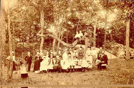 Cedar Point family picnic, 1906.