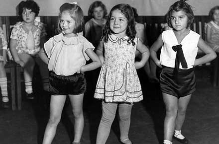 Ballet class at Council Educational Alliance, 1931.