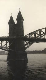 Thumbnail of a second unidentified bridge in Cologne