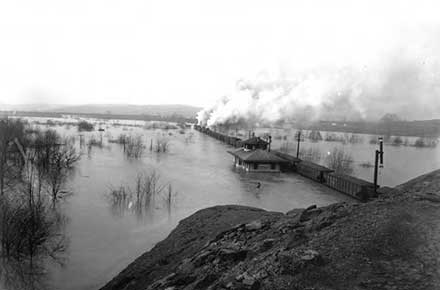 Train crossing the Maumee